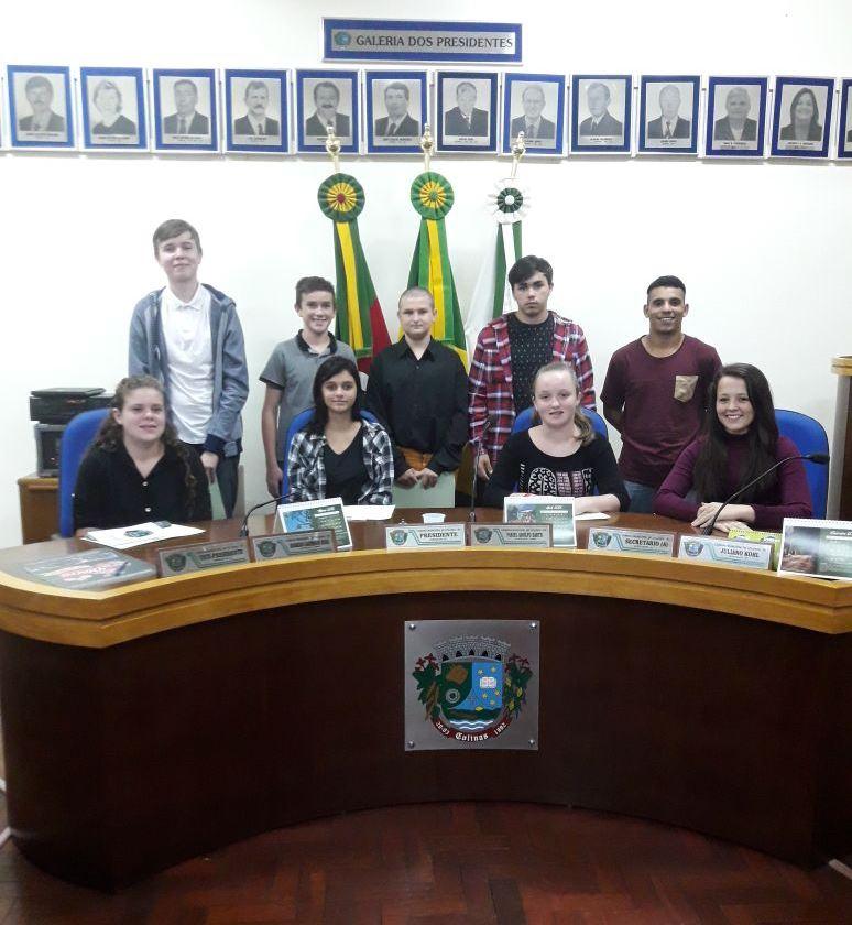 Parlamento Estudantil realiza a primeira sessão ordinária