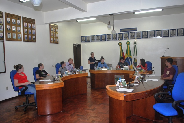 Parlamento Estudantil realizou sua segunda sessão ordinária